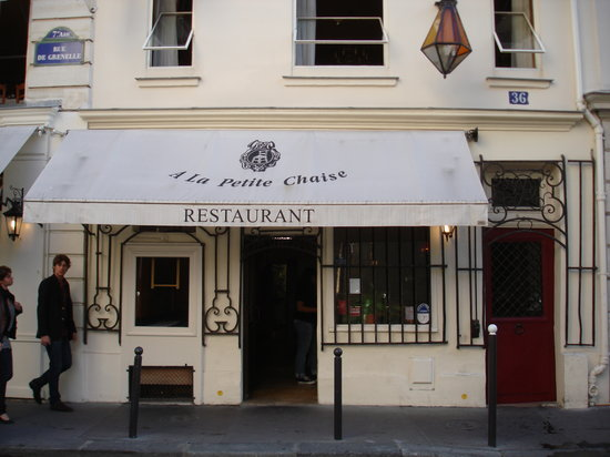 La petite chaise paris saint germain des pres for Chaise restaurant