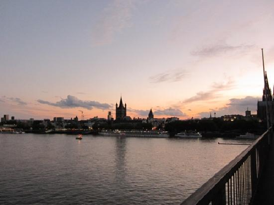 Hotel Domstern: Köln abends