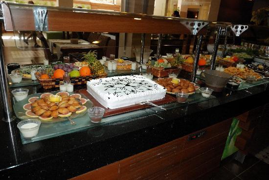 Ambassador Plaza Hotel : Teil des Buffets