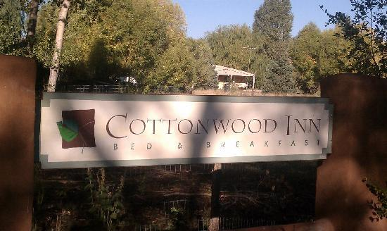 Cottonwood Inn B&B: the welcome sin
