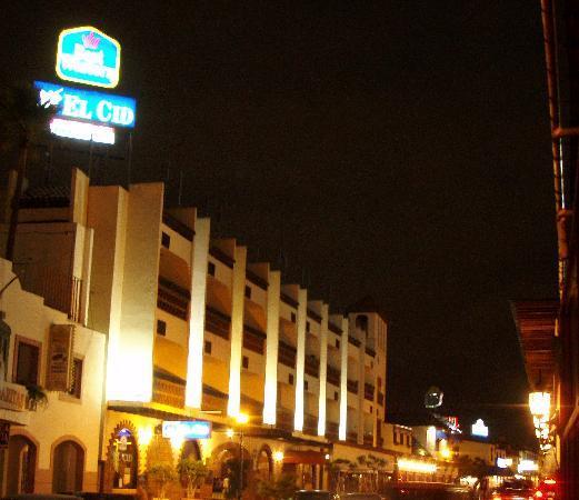 BEST WESTERN El Cid: foto de noche
