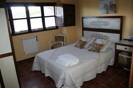 Balcon del Marques: Habitación casa Requexón