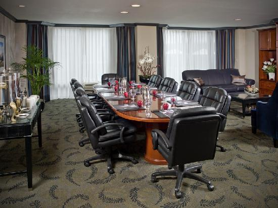 Crowne Plaza Costa Mesa Orange County: The Executive Boardroom completes our versatile meeting facilities.