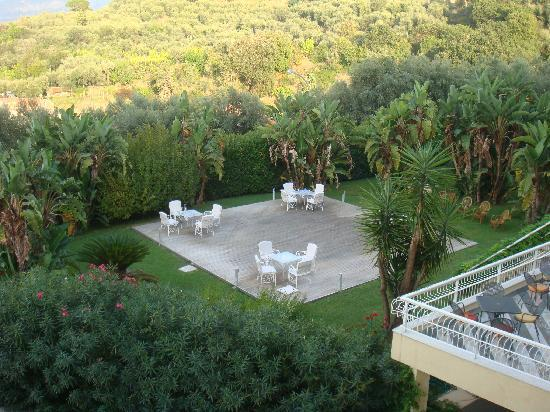 Grand Hotel Vesuvio: Hotel compound
