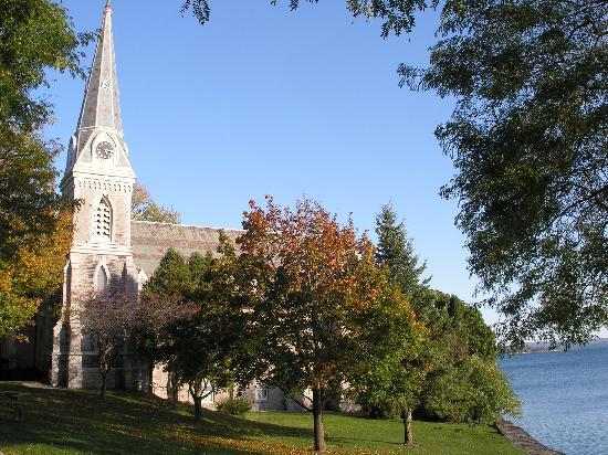 Skaneateles Suites Boutique Hotel: Church by the lake