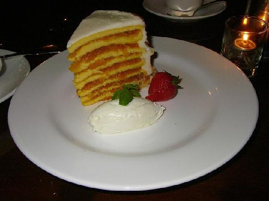 Robert Morris Inn: dessert was Smith Island cake