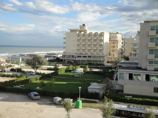Hotel Adria : Blich vom Zimmer zum Meer
