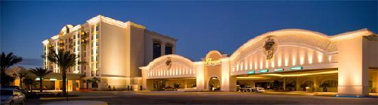 Marksville, LA: Outside view-Paragon Casino Resort