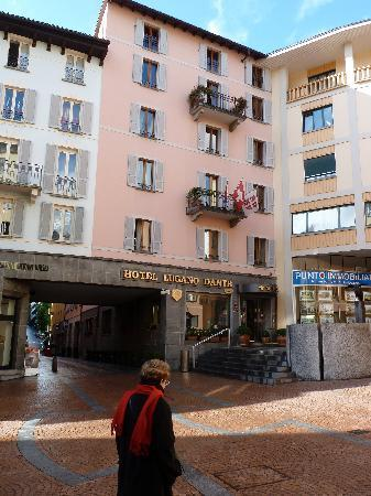 Lugano Dante Center Swiss Quality Hotel: 15 Steps from the train