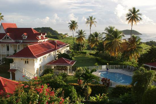 La Trinite, Martinique: Exuberante jardín y bella panorámica