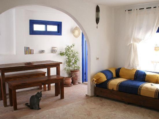 Chez Rebecca : Living room