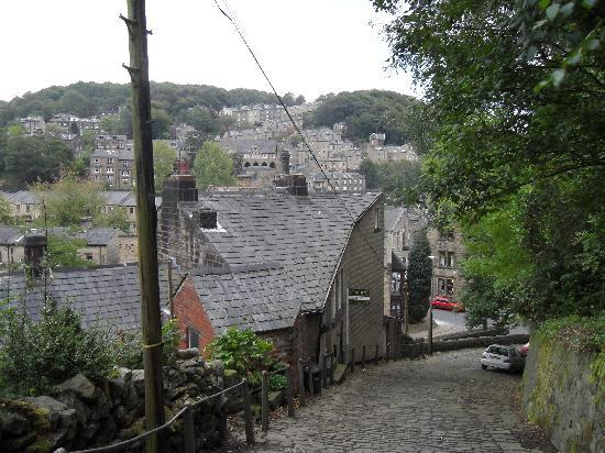 Cobbled road into Hebden Bridge from Heptonstall