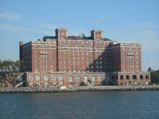 Miss Hampton II Cruises: Chamberlin Hotel at Fort Monroe