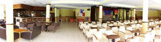 Aparthotel Paradise Club & Spa : Bar & Entertainment Area