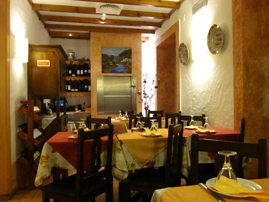 Tasca Do Chico: A view of the restaurant