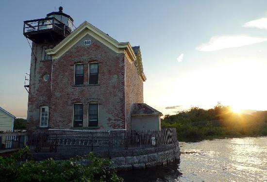 Saugerties Lighthouse: Sunset Bliss