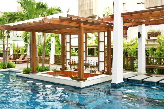 Mantra Resort: Pool bar