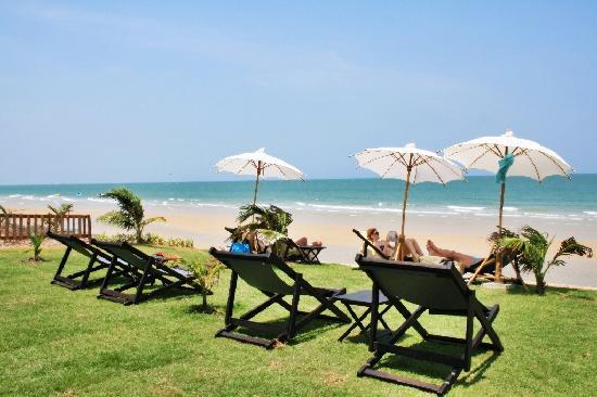 Mantra Resort: Beach