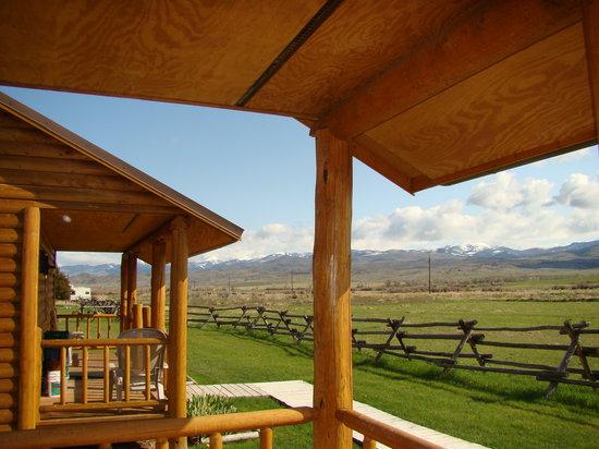 Elijah's Rest Cabins & Breakfast
