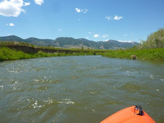 Elijah's Rest Cabins & Breakfast: Kayaking the Ruby River!