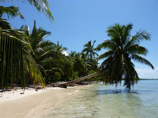 Nosy Boraha, Madagascar: One of many beaches