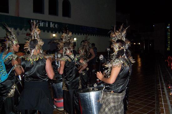 Miami Ice Bar: Carnival Dancers Outside Miami Ice