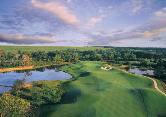 Grapevine offers 81 holes of fantastic golf, including the Cowboys Golf Course, owned by the NFL