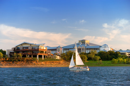 Enjoy the beautiful Lake Grapevine, or take in the action at the Glass Cactus Nightclub.