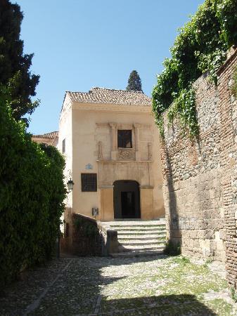 Granada, España: Plaza y palacio de Porras