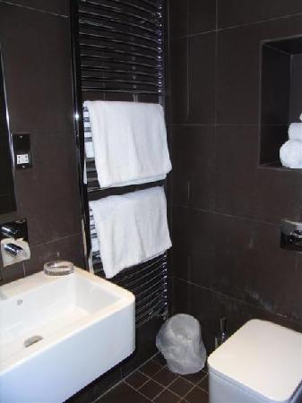 The Rooms: Shower room