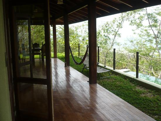 Gumbo Limbo Villas: patio