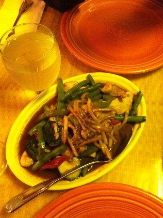 Golden Singha: Curry chicken