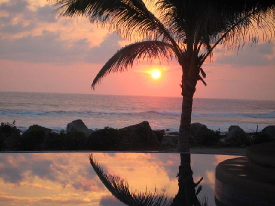 Tres Mujeres Boutique Hotel & Yoga Retreat: amazing sunset