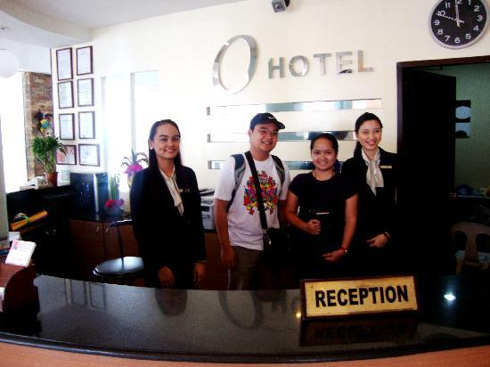 O Hotel: with the receptionists