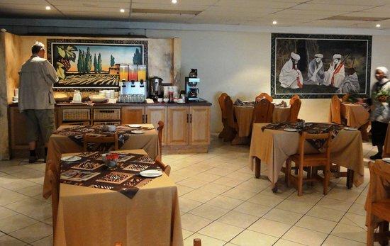 Kob Inn Beach Resort: Frühstück