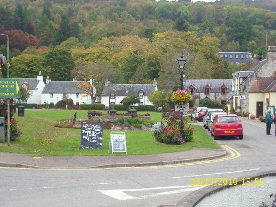 Greenlea Bed and Breakfast: Village in which Greenlea is central