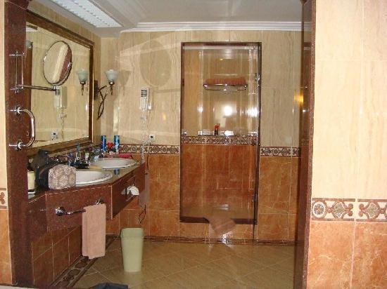 Hotel Riu Montego Bay: SUITE BATHROOM