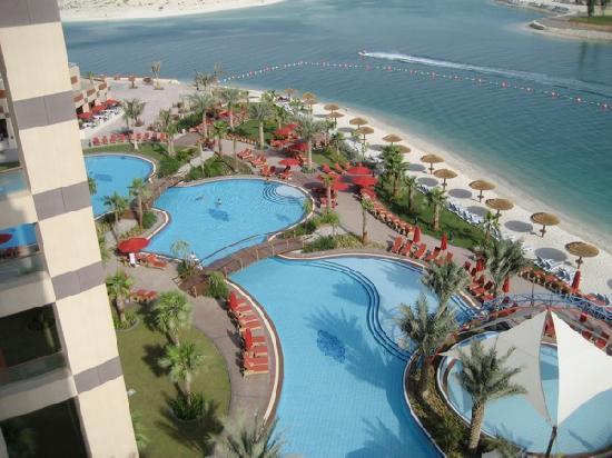 Rotana Beach Hotel Abu Dhabi Restaurants