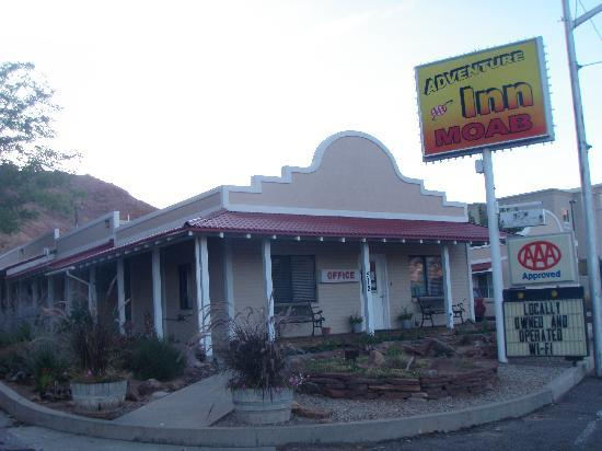 Adventure Inn: Easy to find