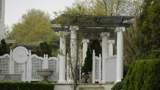 New Jersey: Ashbury Park/garden