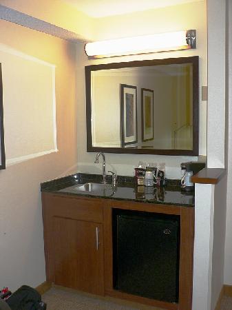 small bathroom picture of hyatt place louisville east louisville rh tripadvisor co za