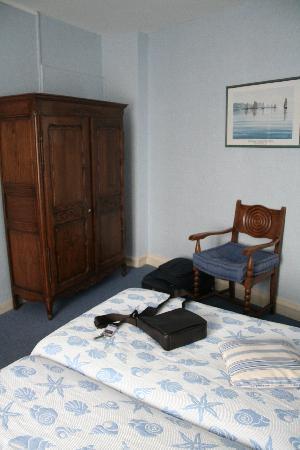 Hotel Julia : Das Zimmer - 2
