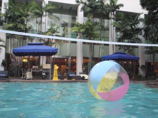 Swimming pool picture of diamond hotel philippines - Diamond suites cebu swimming pool ...