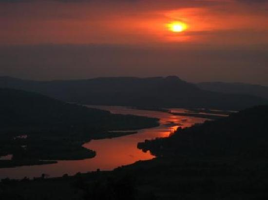 Chiplun, India: View from Sunset Point