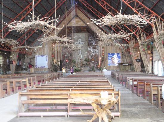 Sto. Rosario Church: church interior