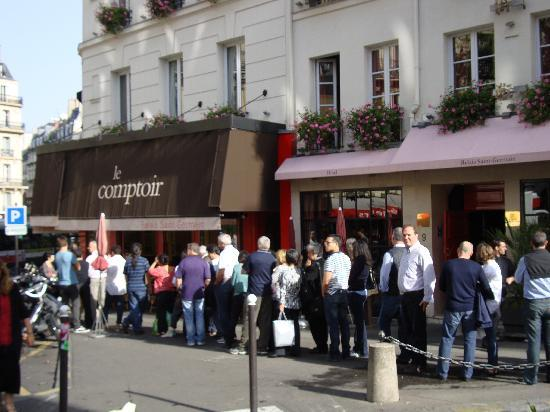on queue for lunch at le comptoir picture of le. Black Bedroom Furniture Sets. Home Design Ideas