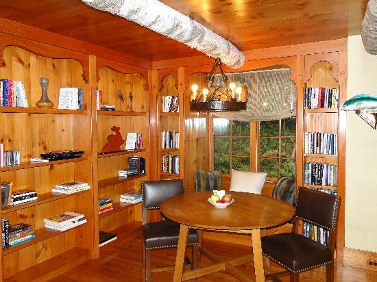Twin Farms: library/breakfast nook in Chalet Cottage