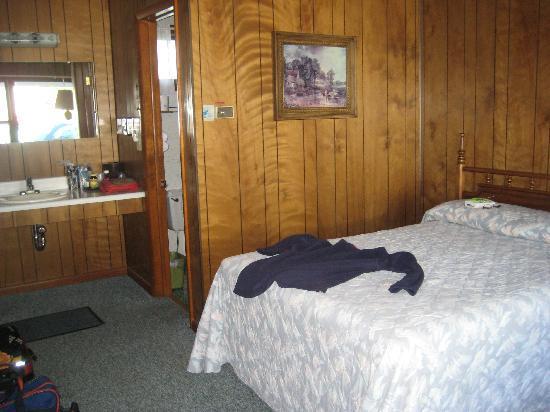 Bambi Motel: Inside of room