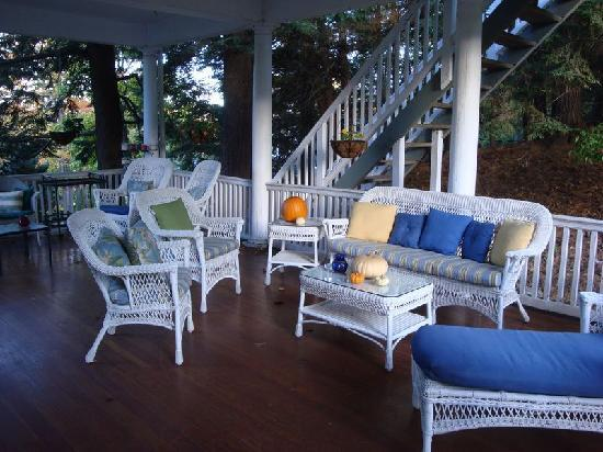 Brandt House: Porch sitting area