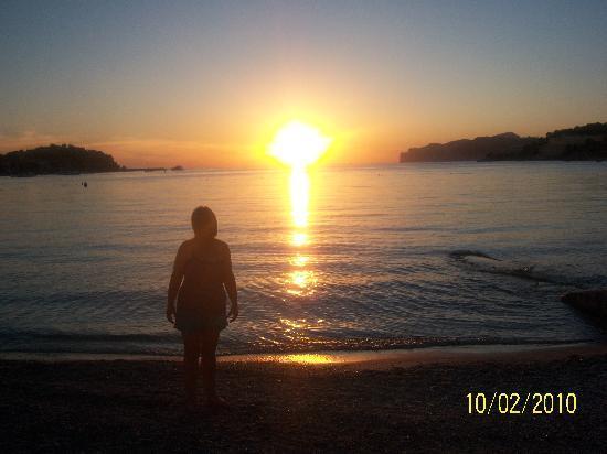 Plazamar Serenity Resort: Sunset Santa Ponsa Beach